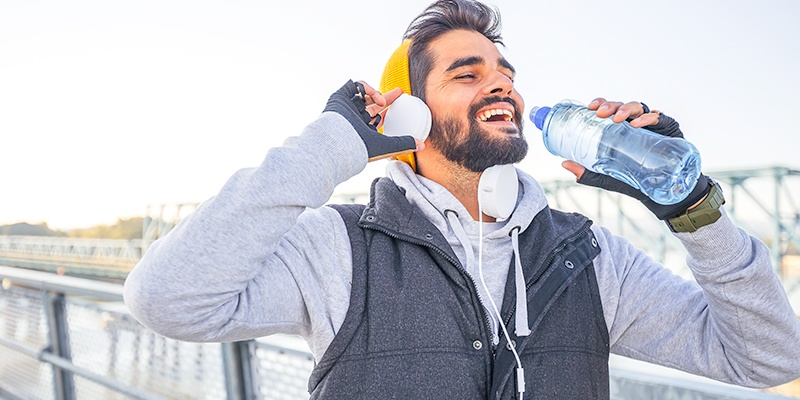 6 Benefits of Staying Hydrated & 6 Ways To Do It!